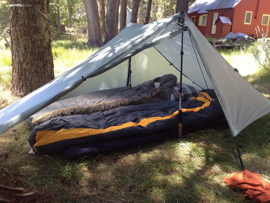 Picture & 2-Person Tents - LightLoad